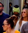 La cantante Jennifer López y el actor Ben Affleck pasan unos días de vacaciones en la paradisíaca isla italiana de Capri. (Foto Prensa Libre: EFE)