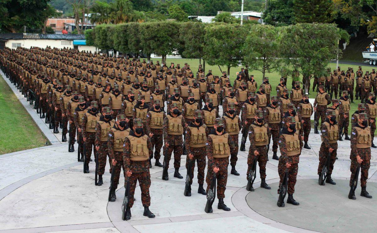 Bukele duplicará efectivos del ejército para lucha antipandillas en El Salvador
