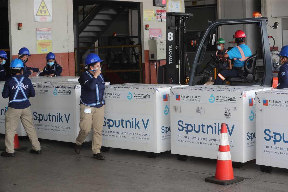 Guatemala recibirá por primera vez 60 mil segundas dosis de vacuna Sputnik V y 250 mil más de primera