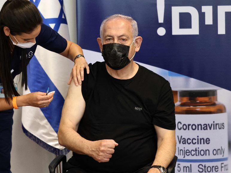 Israel aplica tercera dosis de Pfizer para mayores de 60 años y de esa forma reforzar protección ante variante delta