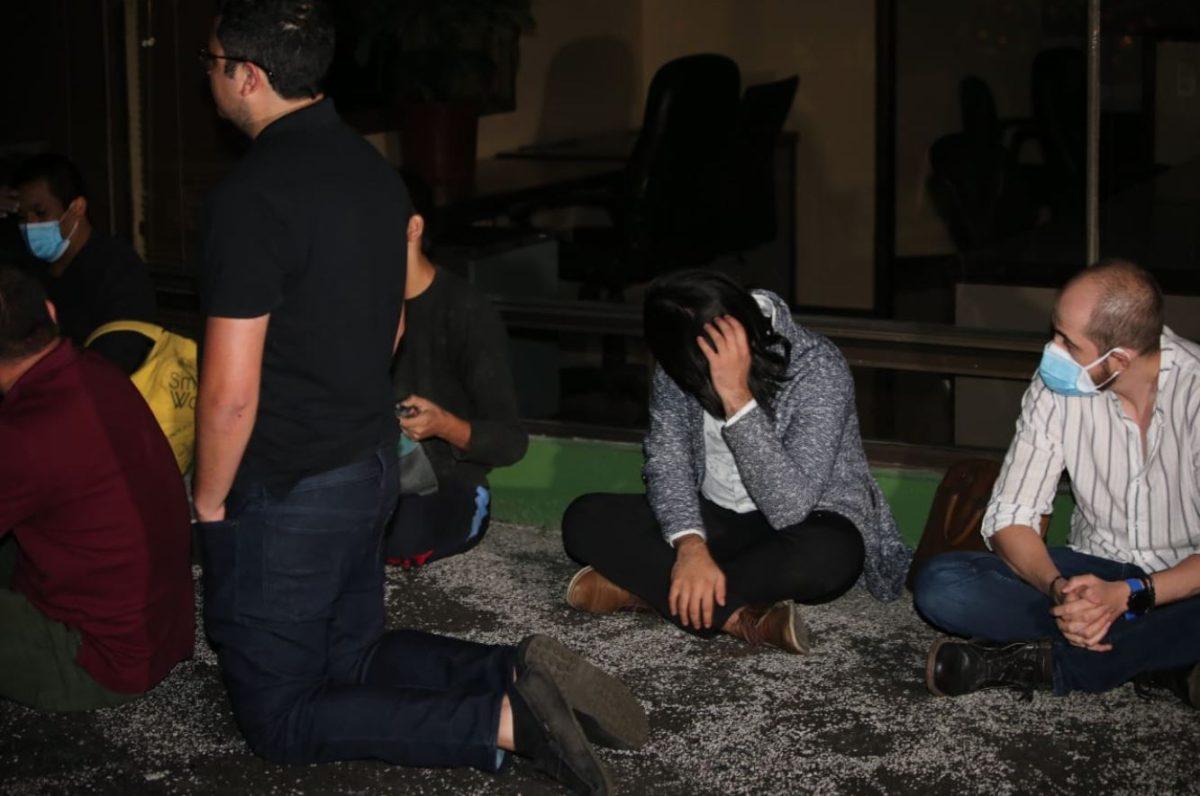 Coronavirus: Capturan en flagrancia a 25 personas durante fiesta clandestina en la zona 10