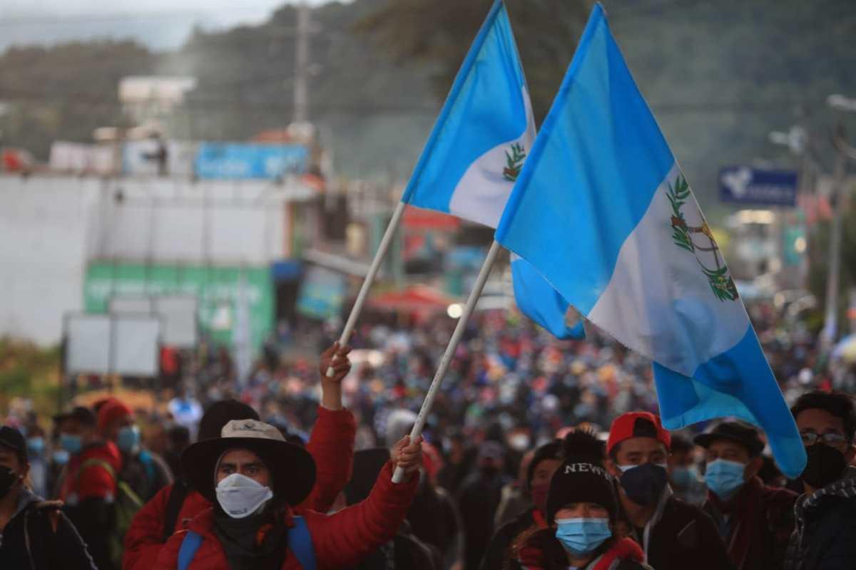Imágenes: Así fue la manifestación de guatemaltecos que se pronunciaron en contra de la corrupción, en la provincia y en la capital