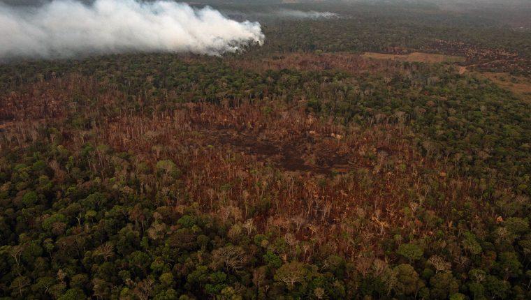 Una quema cerca de Porto Velho, en el estado de Rondonia en Brasil, el 26 de agosto de 2019 (Foto Prensa Libre: Victor Moriyama / The New York Times).