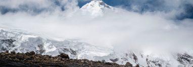 En 2016 se reportó que 175 personas dijeron haber llegado a la cumbre del Manaslu. Ninguno lo hizo, dicen expertos hoy. (Marton Monus/EPA, vÍa Shutterstock)