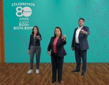 Personeros de Licores de Guatemala presentaron al nueva edición de Aniversario de Ron Botran. Foto Prensa Libre: Cortesía