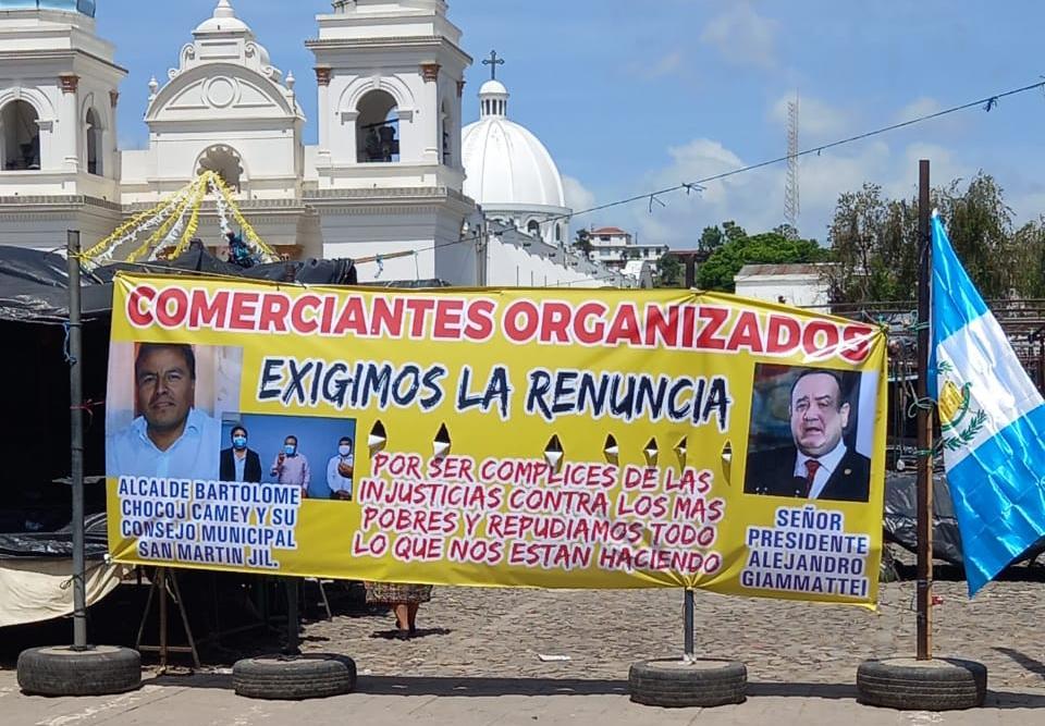 Así se vive el cierre en San Martín Jilotepeque (y las protestas en contra de las autoridades)
