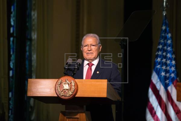 Nicaragua nacionaliza a expresidente salvadoreño Sánchez Cerén prófugo de la justicia