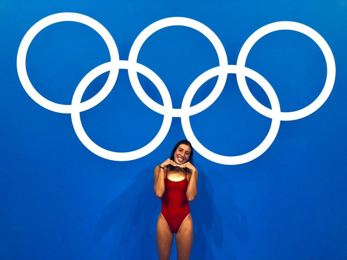 Gabriela Santis muestra su alegría por entrenar en el Tokyo Aquatics Centre