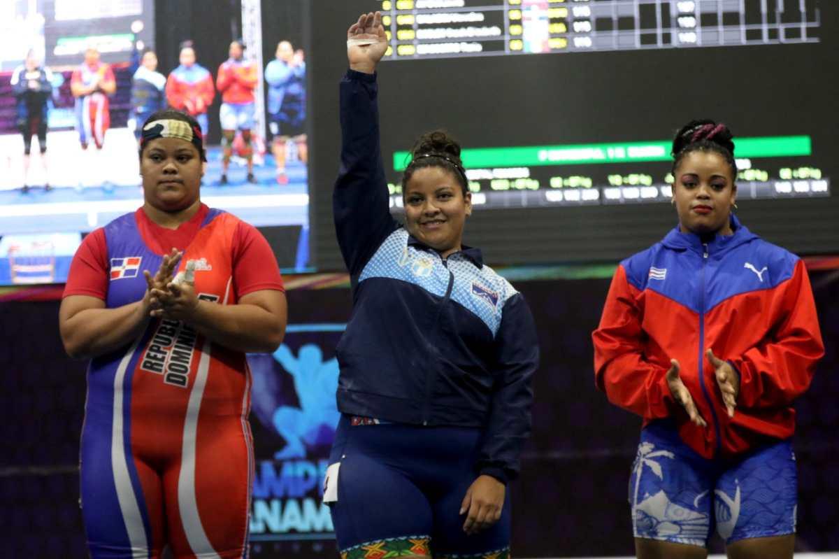 Vamos Guate | Scarleth Ucelo ejemplo de voluntad en el levantamiento de pesas