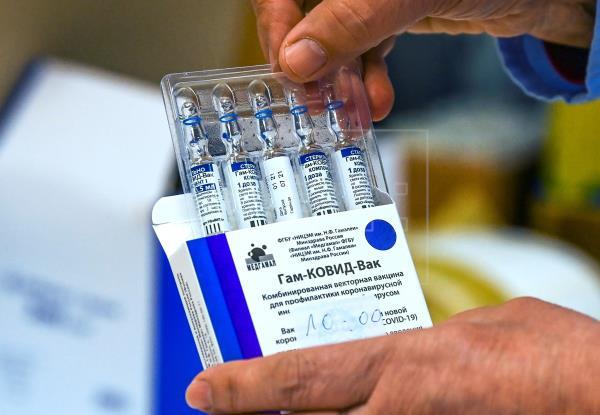 Sputnik V: Rusia asegura que cumplirá con entrega de suministros para vacunas a Argentina
