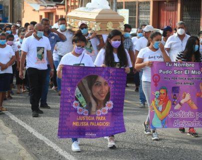 """""""Justicia para Melissa Palacios"""": Dan último y emotivo adiós a la joven que fue asesinada en Zacapa"""