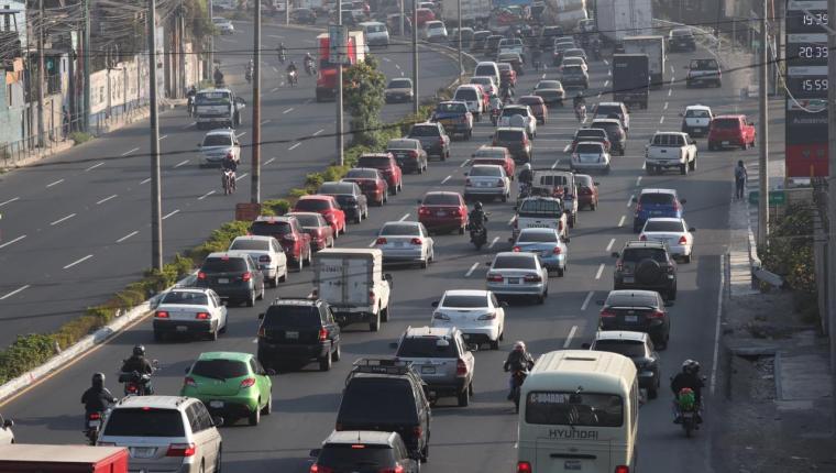 El impuesto de circulación debe pagarse entre el 1 de enero y el 31 de julio de cada año. (Foto Prensa Libre: Hemeroteca PL)