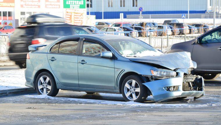 Una joven se graba conduciendo ebria, provoca un accidente y se da a la fuga. (Foto Prensa Libre: Pixabay)