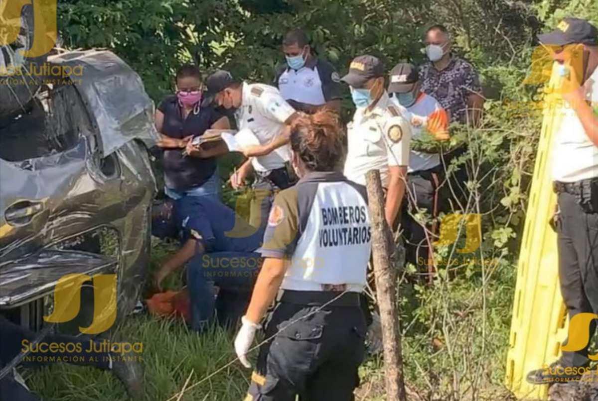 Alcalde de Quesada, Jutiapa, queda gravemente herido luego de accidente de tránsito, en el que murió su piloto