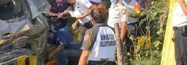 Vehículo en el que se accidentó el alcalde de Quesada, Jutiapa, Carlos Alberto Martínez Castellanos. (Foto Prensa Libre: Sucesos Jutiapa)