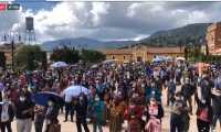 Representantes de los pueblos maya, garífuna, xincas, así como estudiantes y sociedad civil, expresan su rechazo a la destitución de Sandoval, en Totonicapán.