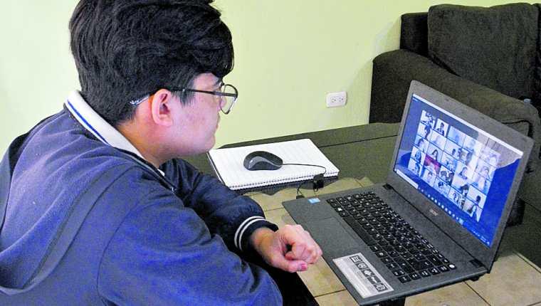 La matricula escolar ha descendido en los últimos años, se han perdido a cerca de 104 mil estudiantes en cuatro años. (Foto Prensa Libre: Hemeroteca PL)