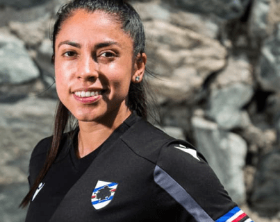 Ana Lucia Martínez se pone la camisola de su nuevo equipo en Italia