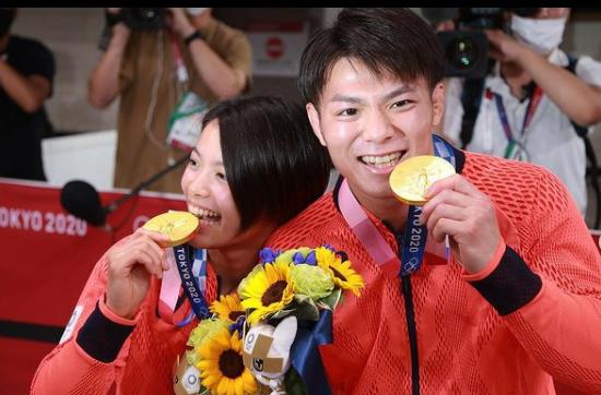 Sin precedentes: ¡Primera vez en Juegos Olímpicos que hermanos ganan oro en deporte individual el mismo día!