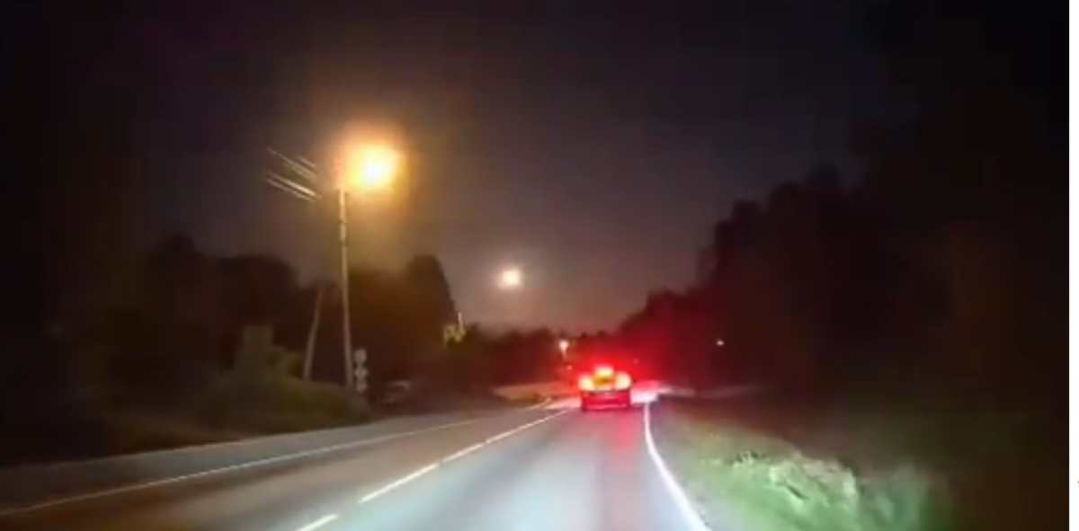 Los asombrosos videos que muestran cómo un meteorito iluminó el cielo de Noruega