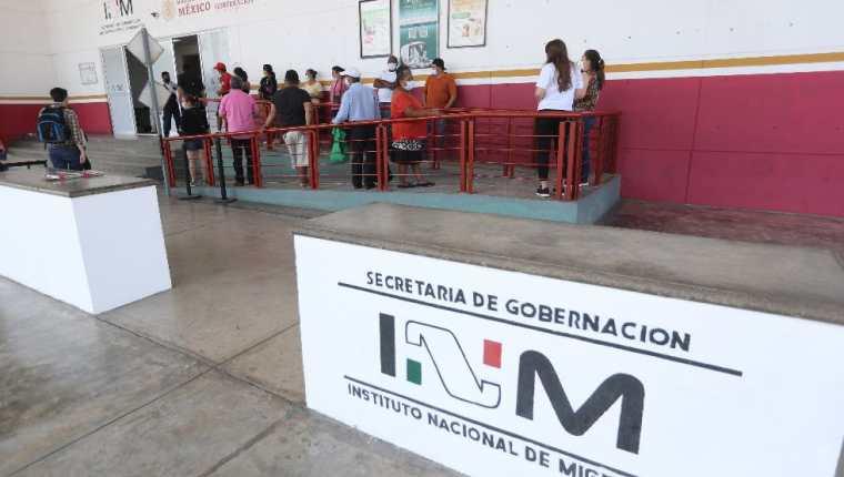 Desde hace varias semanas que se observa un aumento de guatemaltecos que viajan a México para vacunarse. (Foto Prensa Libre: Érick Ávila)