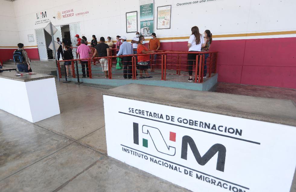 Dos de 40 y uno de 18, la estrategia de Chiapas para promover vacunación masiva contra covid-19