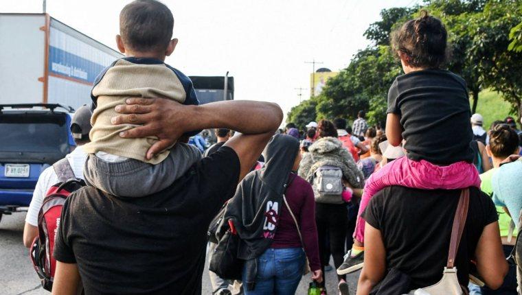 Mejorar las condiciones de vida y oportunidad de empleo puede ayudar a disminuir la migración pero se requieren más acciones de parte del país, refieren. (Foto, Prensa Libre: Hemeroteca PL).