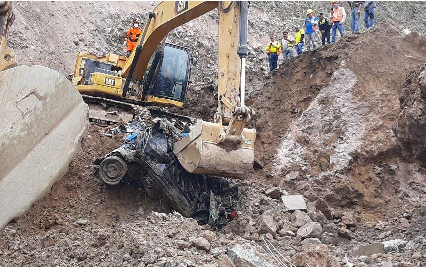 Encuentran tres motocicletas y un vehículo, pero ninguna víctima del derrumbe en Tajumulco