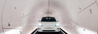 The Loop, es el sistema capaz de transportar a más de 4 mil personas por hora en una serie de automóviles eléctricos Tesla. (Foto Prensa Libre:  Tomada de boringcompany.com)