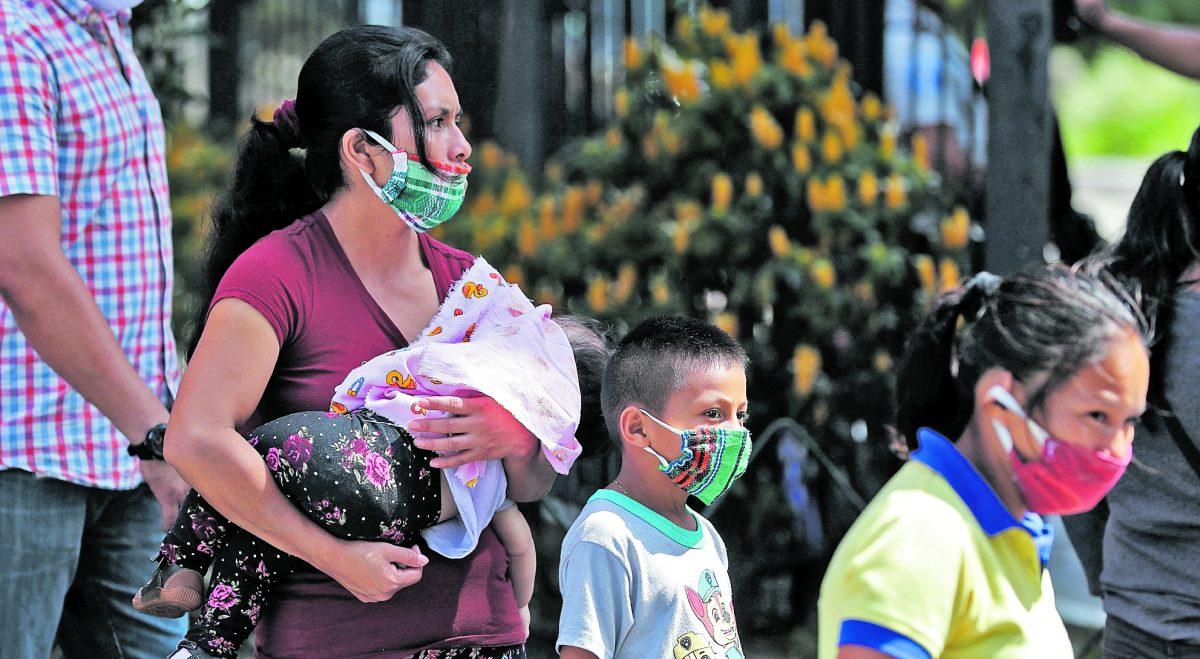 Aumentan contagios de covid-19 en niños, son los adultos quienes llevan el virus a casa
