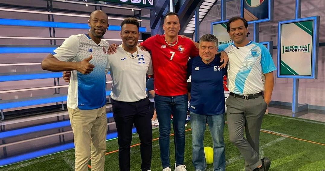 La fotografía que te hará recordar a las leyendas del futbol centroamericano
