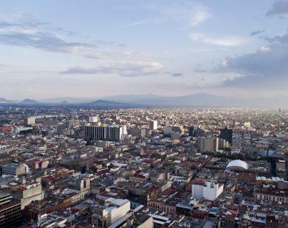 Bacterias detectadas en el aire de Ciudad de México podrían ser causantes del hongo negro, dicen expertos de la UNAM