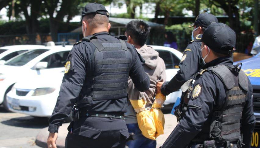 Capturan a presuntos pandilleros tras persecución policial en Villa Nueva