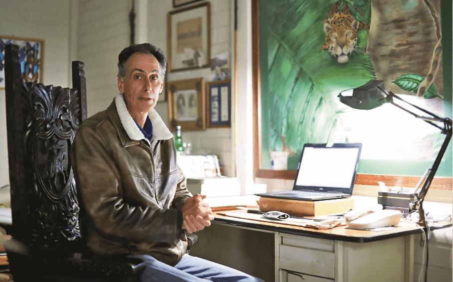 La historia de Robin Schiele y la vez que impresionó a sus secuestradores con su arte