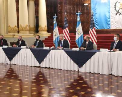 Giammattei y senadores de Estados Unidos hablan de narcotráfico, migración, coronavirus y corrupción