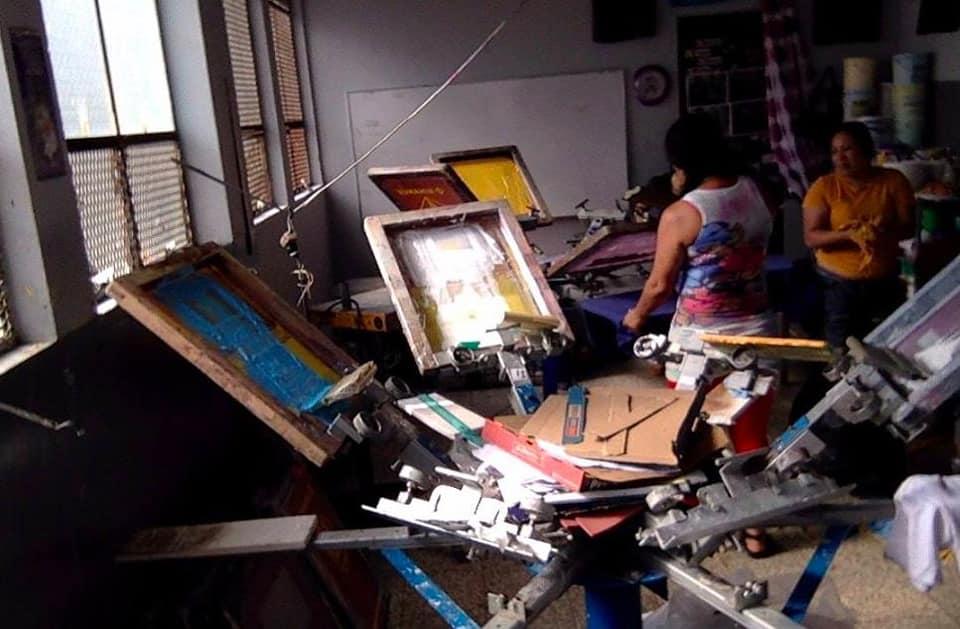Las fotos que tienen en aprietos al proyecto Serigrafía La Gringa, en el COF