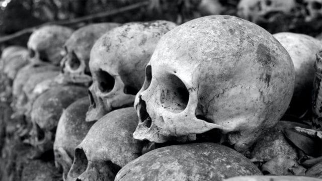 Nuevo hallazgo eleva a mil 275 las tumbas de indígenas en internados de Canadá