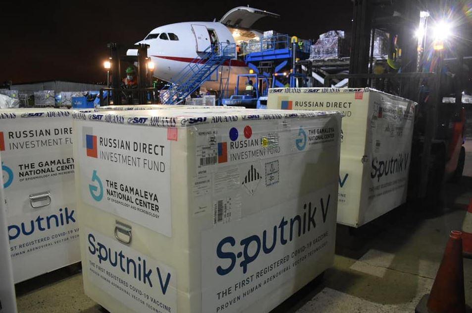 Gobierno renegoció el contrato de vacunas Sputnik V y solo recibirá las 8 millones de dosis que ya pagó