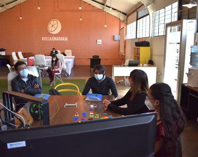 Xelajú Naranja, el programa que busca impulsar a emprendedores de la industria creativa en Guatemala