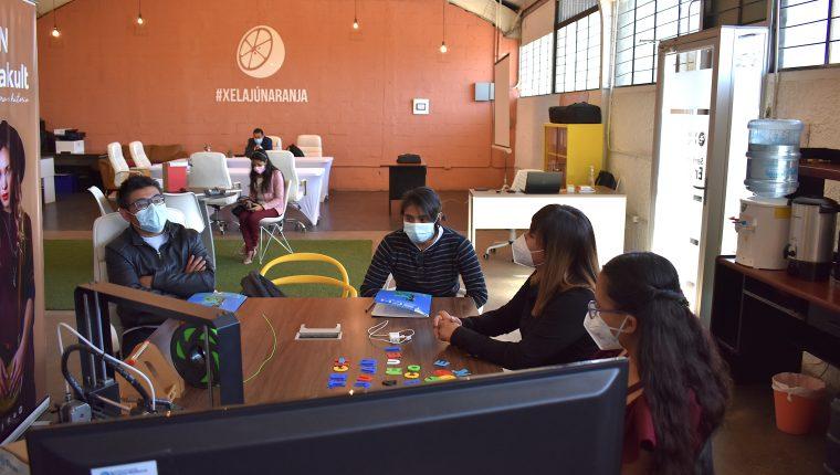 Por ser un programa de formación los emprendedores participantes han fortalecido habilidades personales, empresariales y financieras. (Foto Prensa Libre: Cortesía)