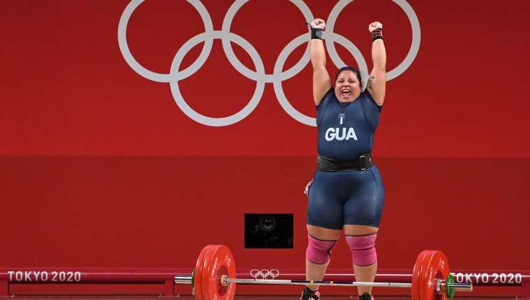 Scarleth Ucelo Marroquin celebra su participación en los Juegos Olímpicos de Tokio. Foto Prensa Libre: AFP.