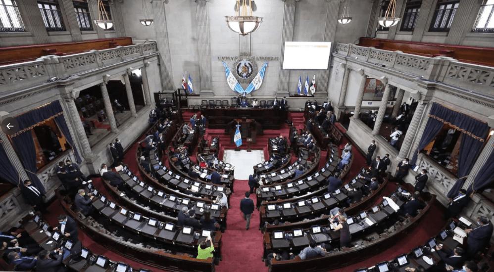 Diputados proponen que las compras del covid-19 evadan la Ley de Contrataciones del Estado