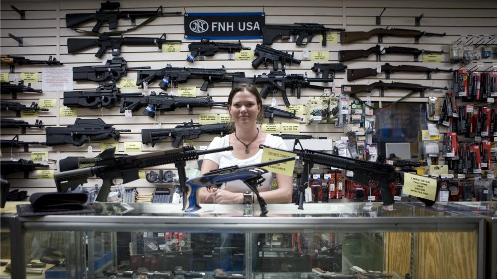 """La demanda """"sin precedentes"""" del gobierno de México contra empresas de armas de EE.UU."""