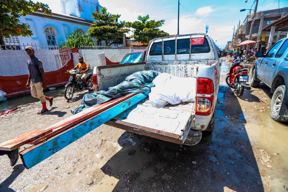 Asciende a 724 el número de muertos en Haití tras terremoto
