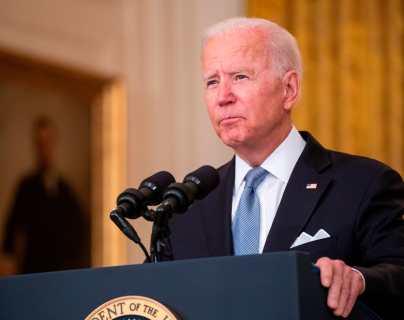 """""""Defenderemos a nuestra gente con una fuerza devastadora"""": Biden advierte a los talibanes no atacar los intereses de EE.UU."""