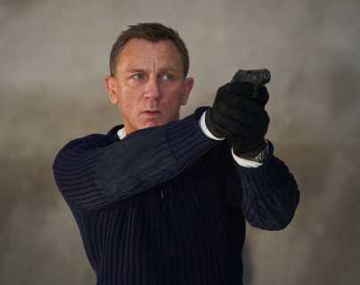 """Fotografía cedida por Metro-Goldwyn-Mayer Studios, que muestra al actor británico Daniel Craig en el papel de James Bond, durante una escena del nuevo filme del famoso espía, """"No Time to Die"""". (Foto Prensa Libre: EFE)"""
