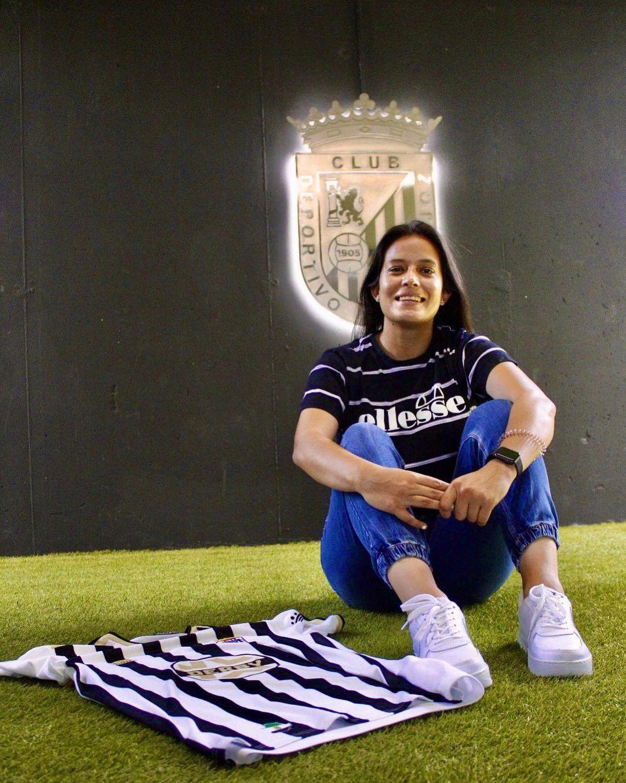 La delantera guatemalteca María Amanda Monterroso se une al Badajoz de España