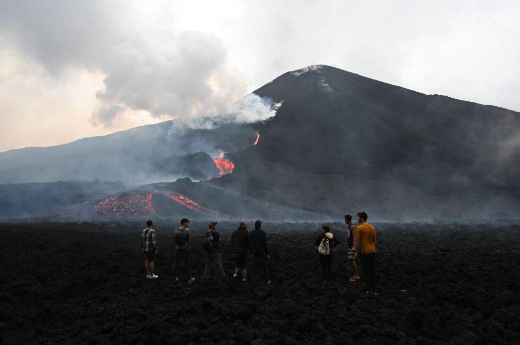 """""""Hay cambios en el cráter"""": Conred advierte de nueva actividad alta del Volcán de Pacaya"""