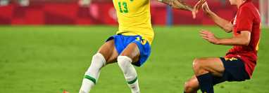 Dani Alves es el futbolista con más títulos en toda la historia del deporte. Foto Prensa Libre (AFP)