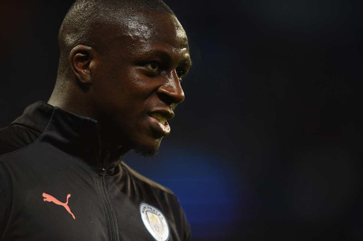 Benjamin Mendy permancerá bajo custodia policial por acusaciones de violación; el Manchester City lo suspendió mientras tanto